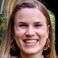 Headshot of Michelle Pfeffer smiling